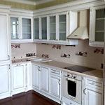 Кухня с Фасадом из массива дерева